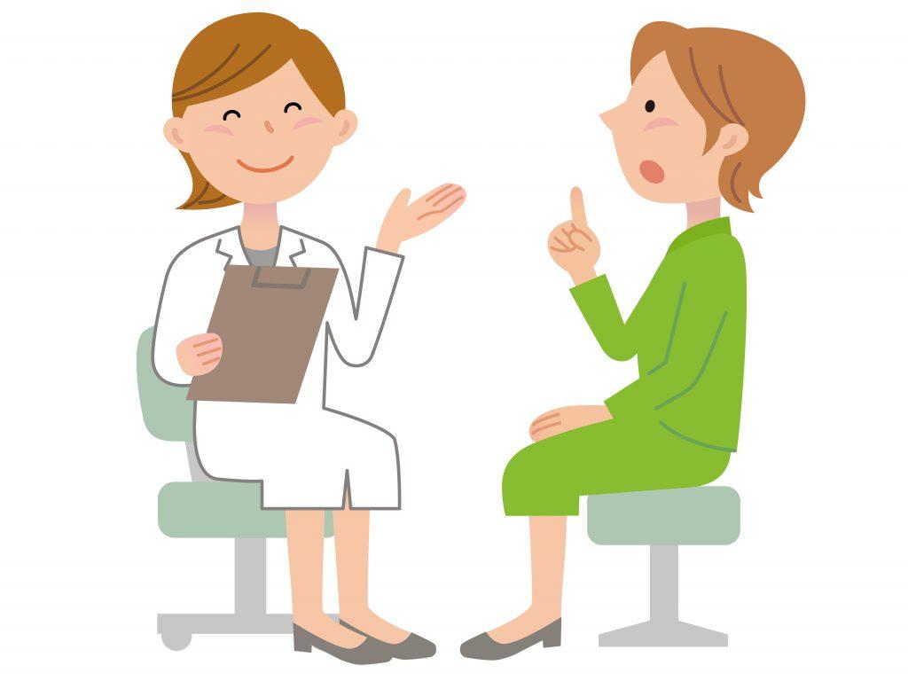 女性医師の診察