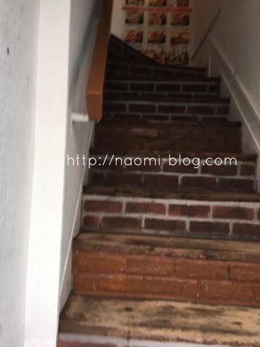 ディープジョティ入り口階段