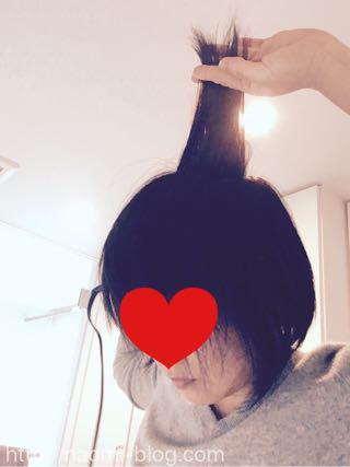 後頭部の髪をセット